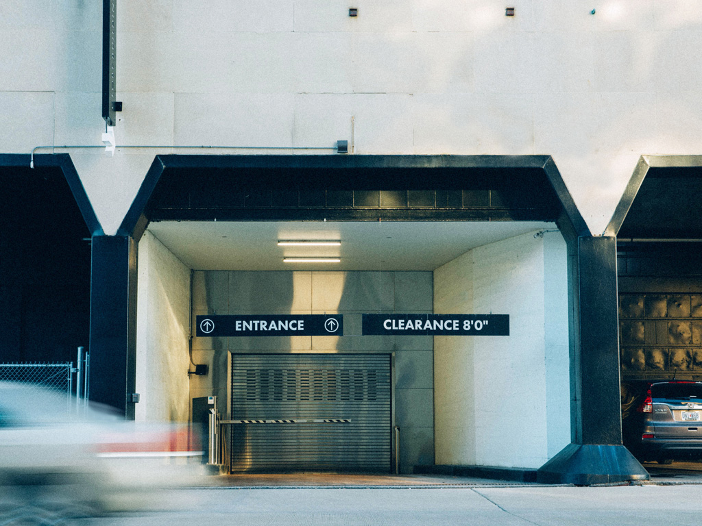 Choosing the Right Monthly Parking Garage